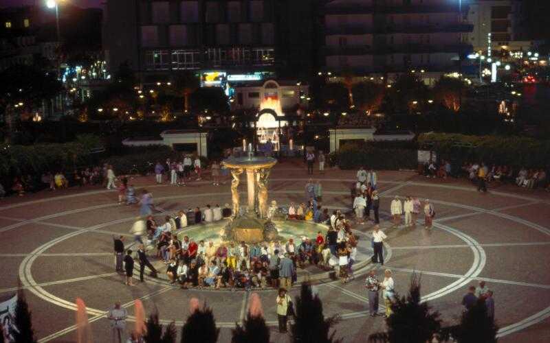 Piazza Sirene Cattolica