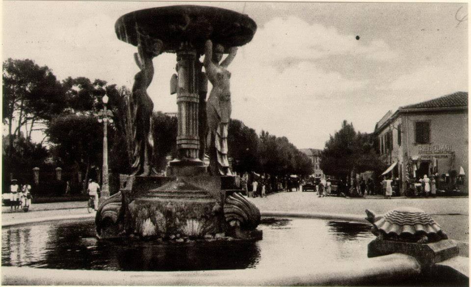 Fontana delle Sirene